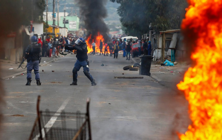 essay crime south africa What causes youth crime a:  what are the causes of crime in south africa a: most south africans believe that the major cause of crime in south africa is poverty.
